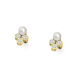 Gold Stud earrings with diamonds