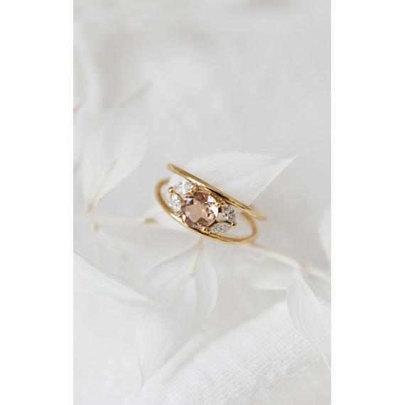 Love ring - 18k gold, sapphire and diamonds
