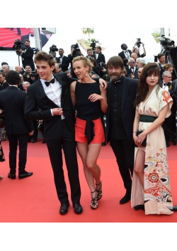 Marie Kremer is wearing our L'envol earrings in pink gold plated at the Festival de Cannes
